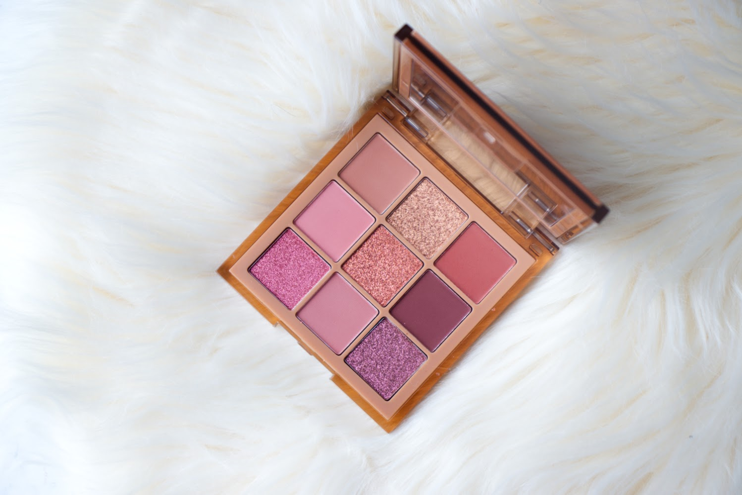 Huda Beauty Nude Medium Obsessions Eyeshadow Palette